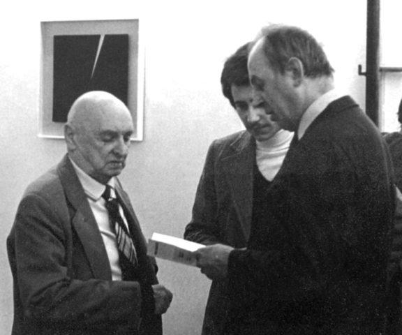 Henryk_Stażewski,_Witold_S._Kozak,_Edward_Krasiński._Warszawa_1979.