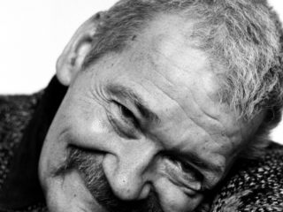 Warszawa, 12.02.2003. Stanislaw Drozdz - poeta. Fot. Andrzej Swietlik/FORUM