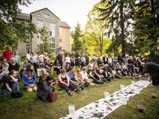 Contexts 2016 -  Alastair MacLennan - SAVE VASE / fot.Tomasz Ogrodowczyk