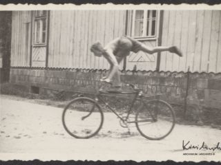 Popisy rowerowe w Sokołowsku w 1952.