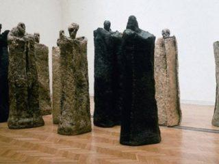 Bożenna Biskupska. Rzeźby: Misterium czasu