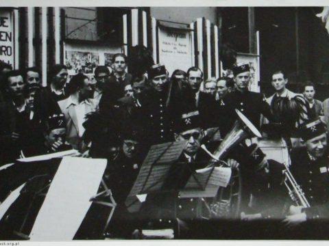 Orkiestra górnicza podczas obchodów pierwszomajowych w Sokołowsku / Orchestra mining at the May 1 celebrations in Sokołowsko